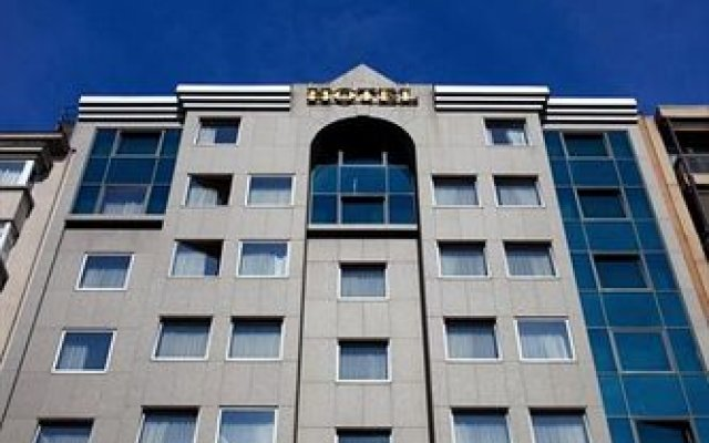 Antwerp Diamond Hotel вид на фасад
