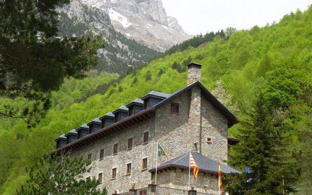 Отель Parador De Bielsa Huesca популярное изображение
