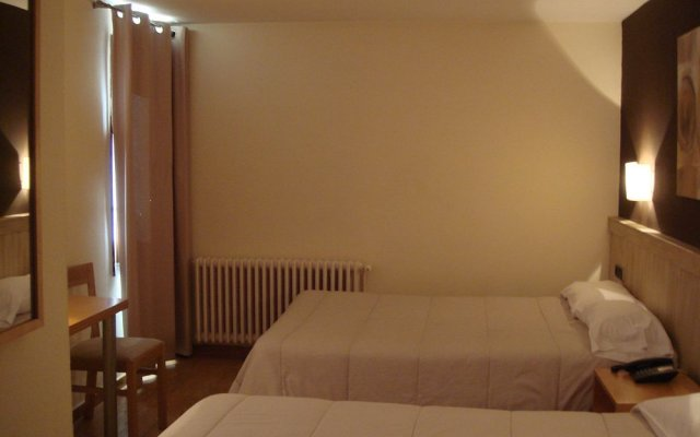 Отель Pirene комната для гостей