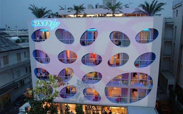 Sixty Hotel вид на фасад
