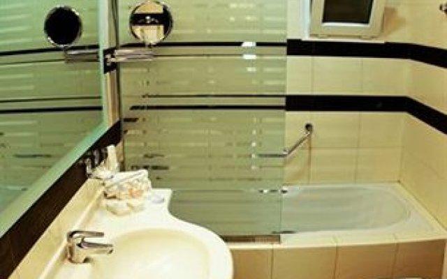 Отель Le Mirage Suites ванная