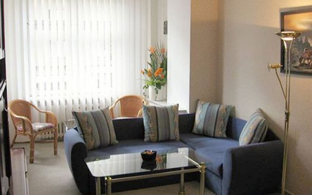 Апартаменты Apartments In Wilmersdorf / Schoeneberg комната для гостей