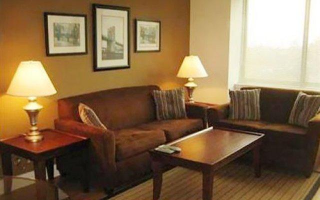 Отель Avenue Suites комната для гостей