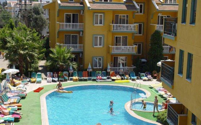 Отель Club Sultan Maris бассейн