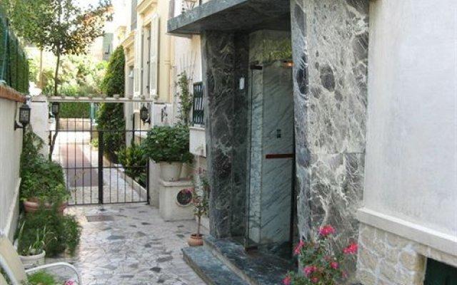 Отель La Licorne Ницца вид на фасад
