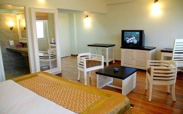 Hotel Glitz комната для гостей