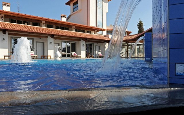 Отель Resort Nando Al Pallone Виторкиано вид на фасад