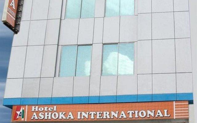 Отель Ashoka International Индия, Нью-Дели - отзывы, цены и фото номеров - забронировать отель Ashoka International онлайн вид на фасад