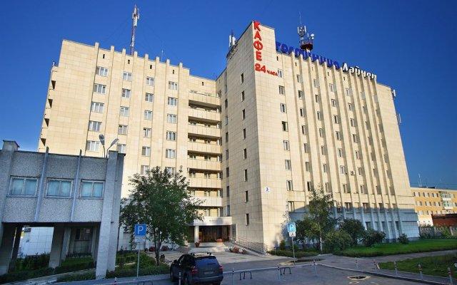 Лайнер Аэропорт-Отель Екатеринбург вид на фасад