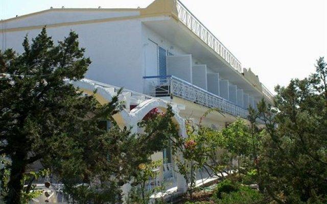 Отель Seaside Village Rooms Греция, Эгина - отзывы, цены и фото номеров - забронировать отель Seaside Village Rooms онлайн вид на фасад