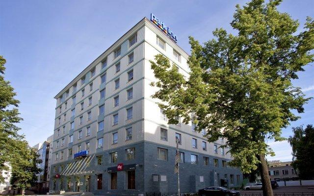 Гостиница Park Inn Казань вид на фасад