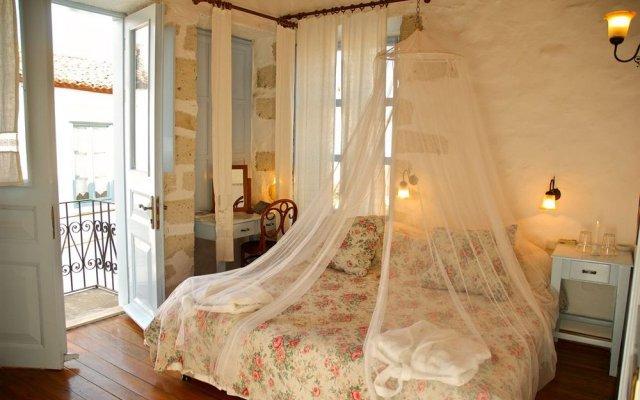 Отель Alacatı Tas Otel Чешме комната для гостей