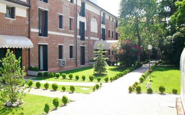 Отель Santa Teresa Италия, Мартеллаго - отзывы, цены и фото номеров - забронировать отель Santa Teresa онлайн вид на фасад