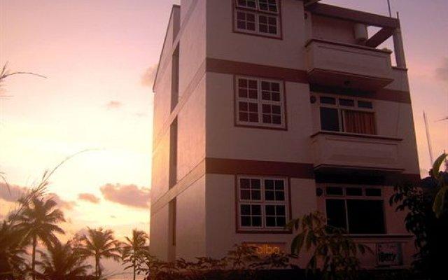 Отель Airport Alba Inn Мальдивы, Северный атолл Мале - отзывы, цены и фото номеров - забронировать отель Airport Alba Inn онлайн вид на фасад