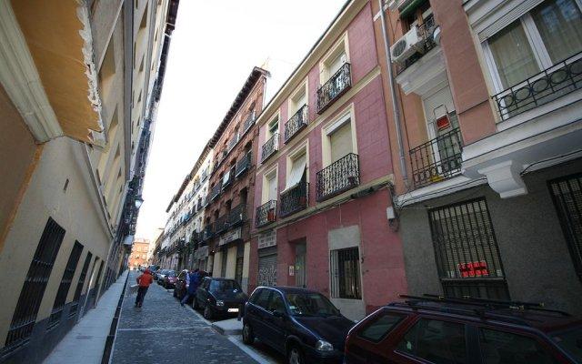 Апартаменты Km1 Atocha Apartments вид на фасад