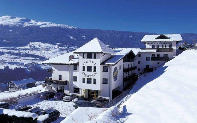 Отель Alpenfriede Австрия, Йерценс - отзывы, цены и фото номеров - забронировать отель Alpenfriede онлайн вид на фасад
