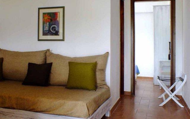 Апартаменты Christaras Apartments комната для гостей