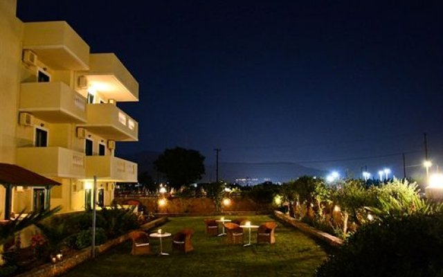 Апартаменты Cretan Family Apartments вид на фасад