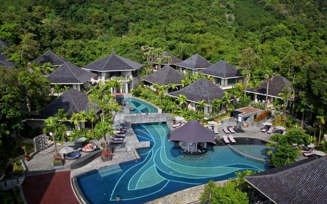 Отель Mandarava Resort and Spa Karon Beach бассейн