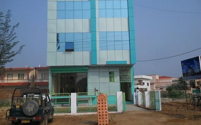 Hotel Green View in Sawai Madhopur, India from 11$, photos, reviews - zenhotels.com hotel front