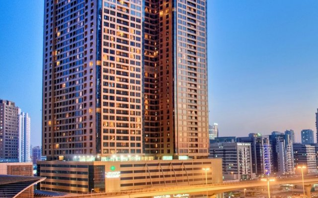 Mercure Dubai Barsha Heights Hotel Suites вид на фасад