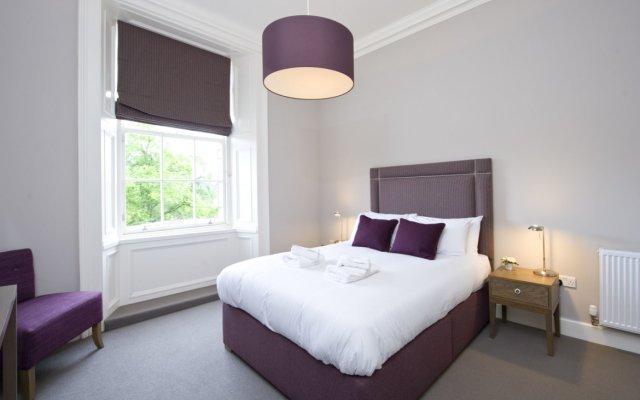 Апартаменты Destiny Scotland - George IV Apartments комната для гостей