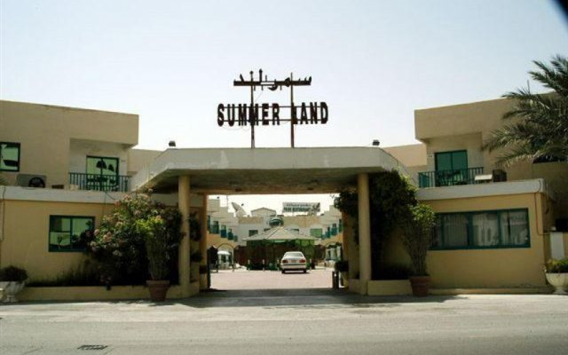 Отель Summerland Motel ОАЭ, Шарджа - 1 отзыв об отеле, цены и фото номеров - забронировать отель Summerland Motel онлайн парковка