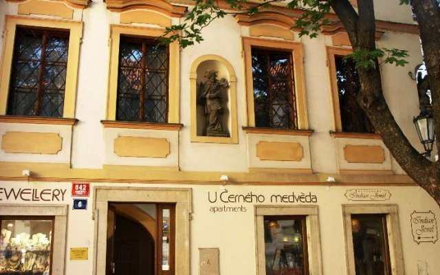 Отель U Cerneho Medveda- At The Black Bear вид на фасад