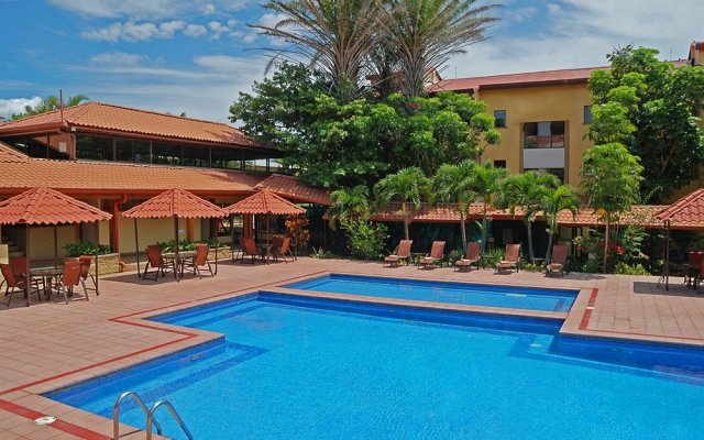 Отель Country Inn & Suites by Radisson, San Jose Aeropuerto, Costa Rica бассейн