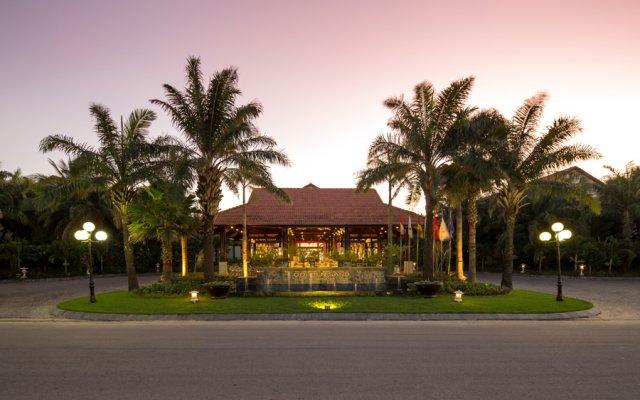 Отель Golden Sand Resort & Spa вид на фасад