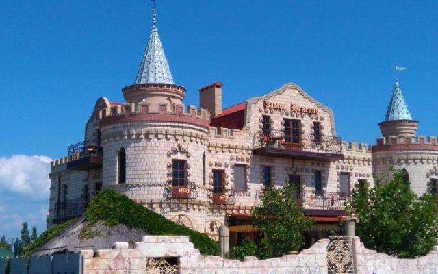 Отель Venice Castle Бердянск вид на фасад
