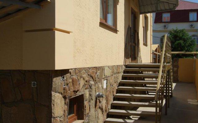 Гостиница Фрегат Судак вид на фасад