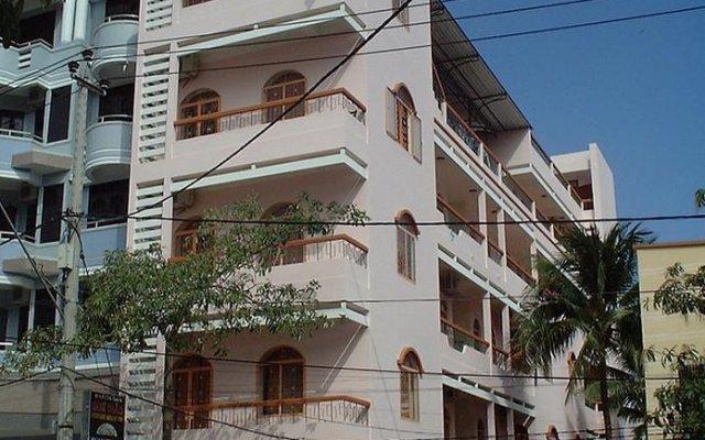 Отель Perfume Grass Inn вид на фасад