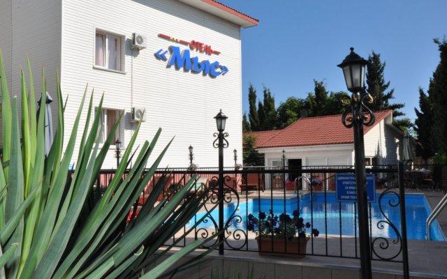 Гостиница Мыс вид на фасад