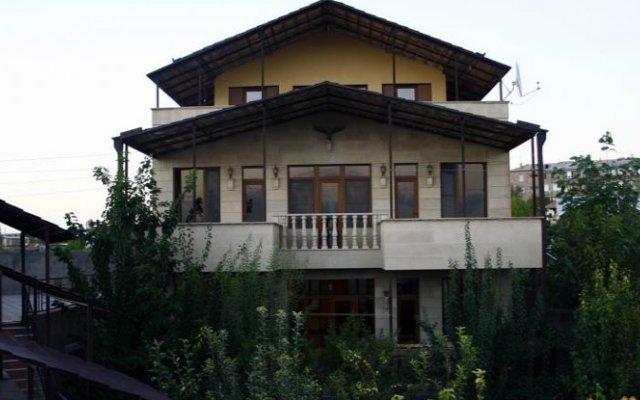 Отель Ararat View Villa вид на фасад