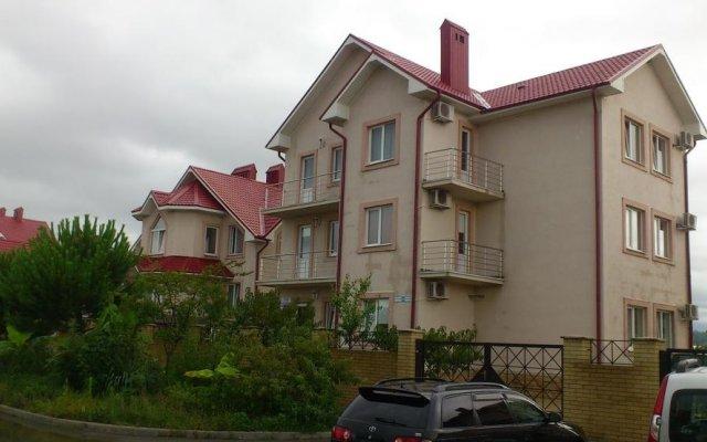Гостевой Дом Константин парковка