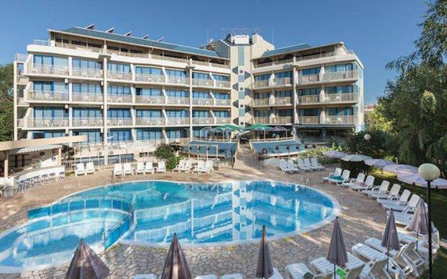 Отель Apart Complex Aquamarine Half Board Болгария, Камчия - отзывы, цены и фото номеров - забронировать отель Apart Complex Aquamarine Half Board онлайн бассейн