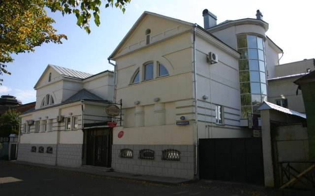 Гостиница Тверская Усадьба вид на фасад