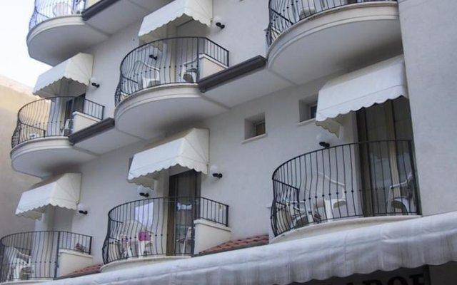 Отель Mirador вид на фасад