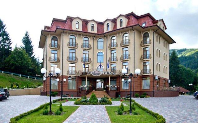 Hotel Pylypets Поляна парковка