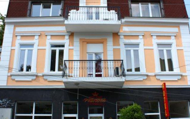 Princess Hotel Велико Тырново вид на фасад