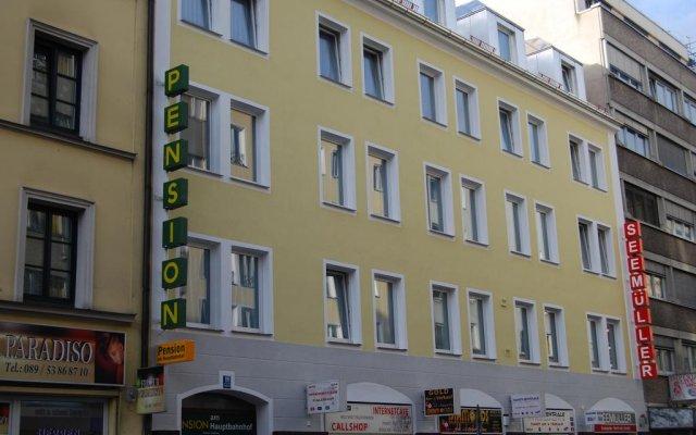 Отель Pension/Guesthouse am Hauptbahnhof вид на фасад