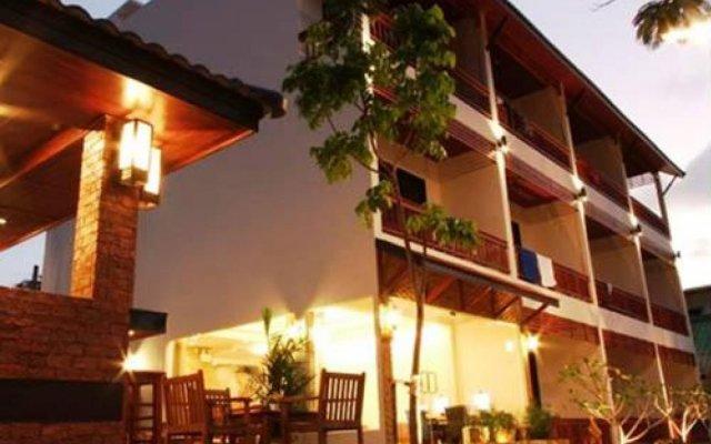 Отель Kata Noi Bay Inn пляж Ката вид на фасад