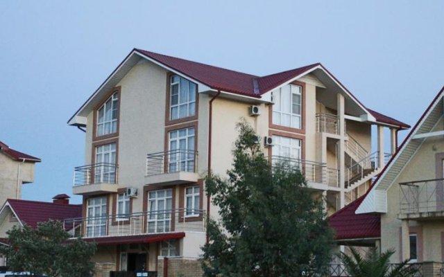 Гостевой Дом Лидер вид на фасад
