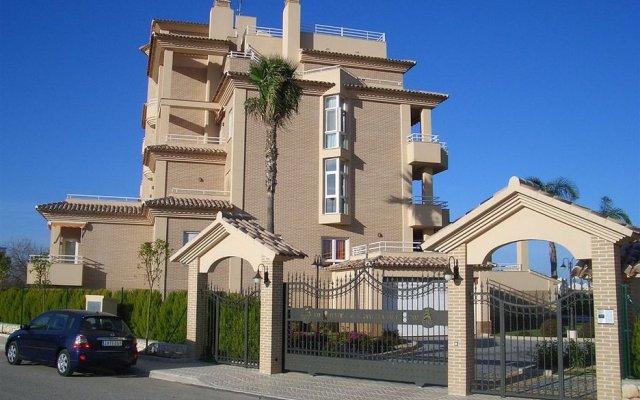Отель Buganvilla Golf Испания, Олива - отзывы, цены и фото номеров - забронировать отель Buganvilla Golf онлайн вид на фасад