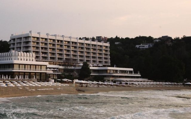 Palace Hotel - All Inclusive пляж