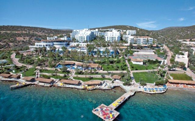 Отель Bodrum Holiday Resort & Spa