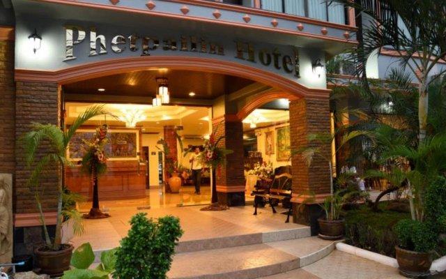 Отель Krabi Phetpailin Hotel Таиланд, Краби - отзывы, цены и фото номеров - забронировать отель Krabi Phetpailin Hotel онлайн вид на фасад