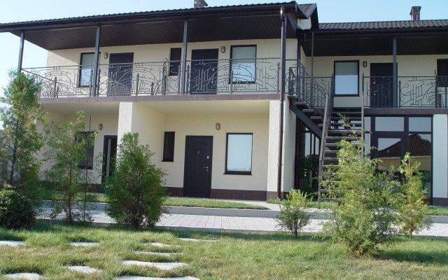 Гостиница Usadba Mirazh вид на фасад