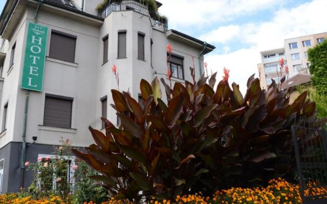 Hotel Anton вид на фасад